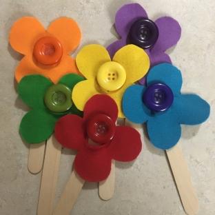Toddler busy bag felt button flower